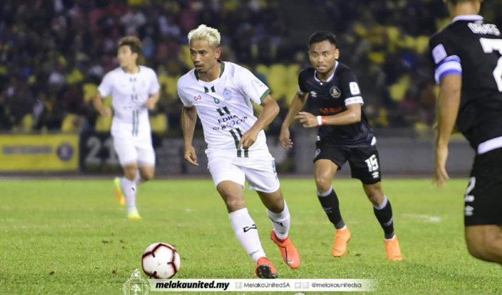 Penalti Lewat Melaka United Kekang Pahang, Dickson Nwakaeme Dikunci Pertahanan Lawan